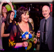 házasságmegerősítés partybuszon-partyfotók